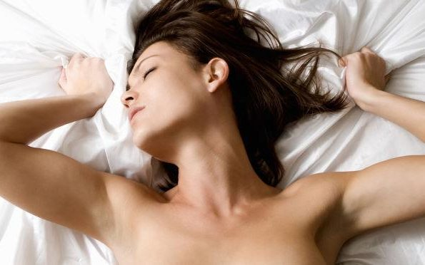 Bed Orgasm Female