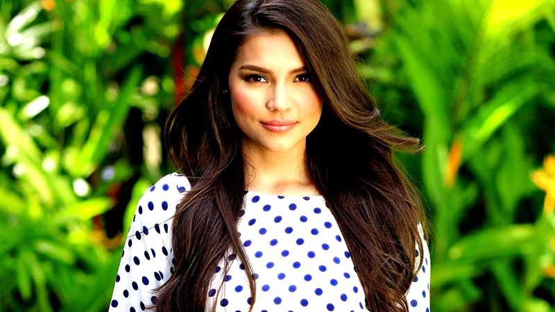 Filipina of Women in Polkadot Shirt